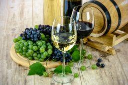 two-types-of-wine-1761613.jpg