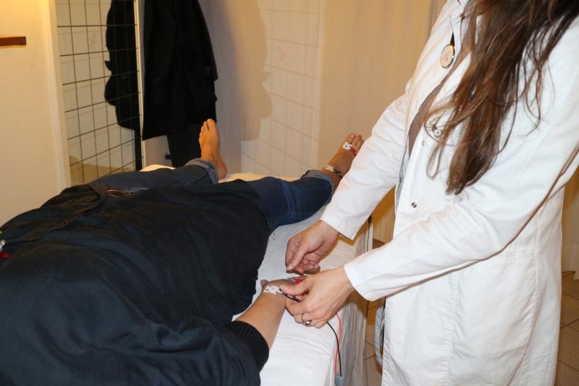 Applicazione elettrodi sul paziente
